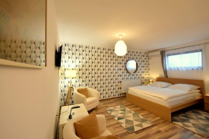 Neferprod Apartments - IS - CAM 05