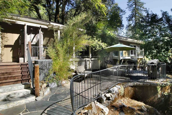 BUCK HOLLOW: Redwoods | Hot Tub | Secluded