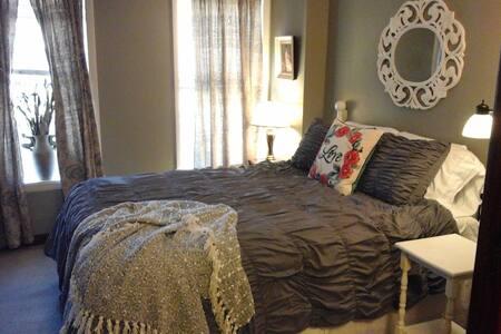 Quiet 2 Bedroom, Main Street, Parking! Sleeps 4-5