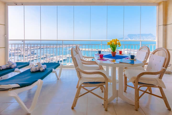 NAUTICO, Apartment for 4 pax in front of the marina free wifi