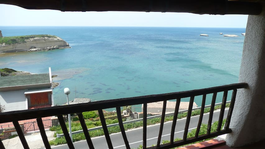 Amazing flat in bay view villa - Torre del Pozzo - Leilighet