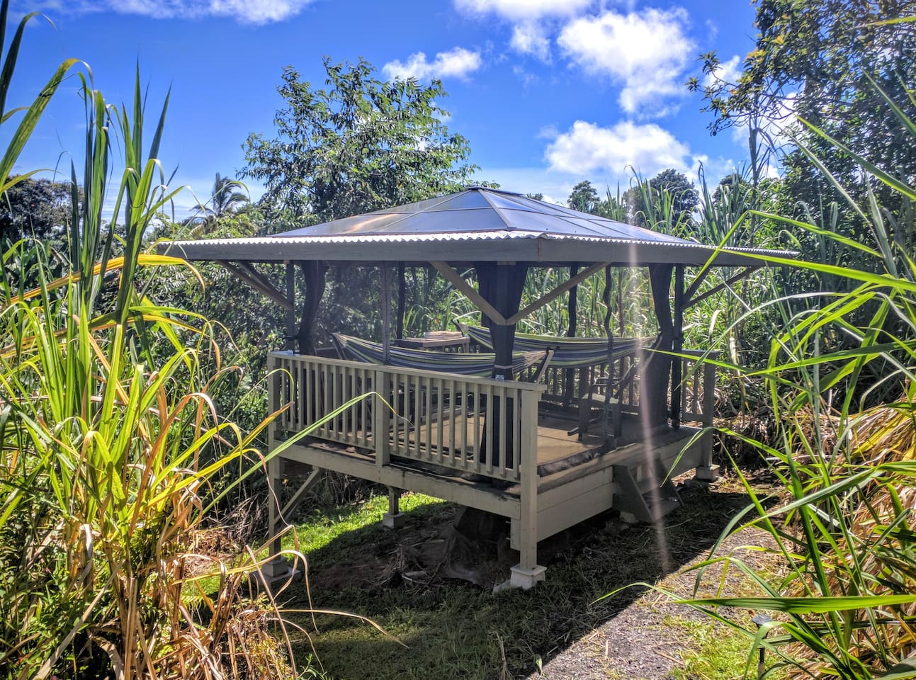 Private deluxe glamping hammock cabana huts for rent in pepeekeo private deluxe glamping hammock cabana huts for rent in pepeekeo hawaii united states falaconquin