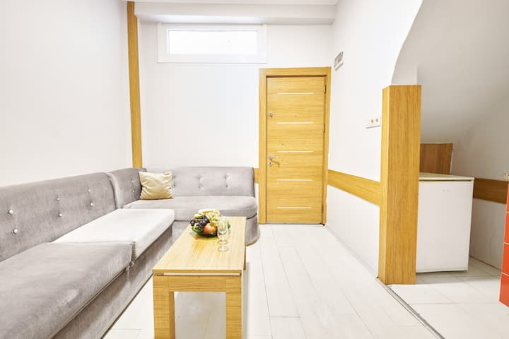 Taksim Square and Central Metro 3 mins. Apartment