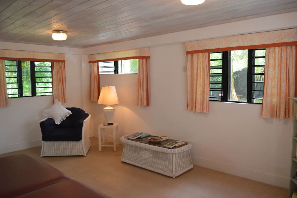 Space to relax and unwind in the large double guest room, direct access to the leafy garden