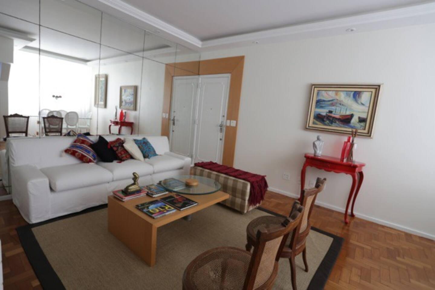 Beautiful living room/Lounge area