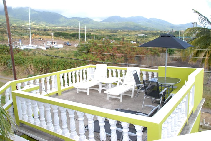 Mountain and Sea view - St Kitts and Nevis - Appartement