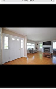 The Village townhouse - Windsor Locks - Hus