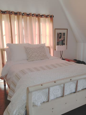 Room for rent in beautiful home