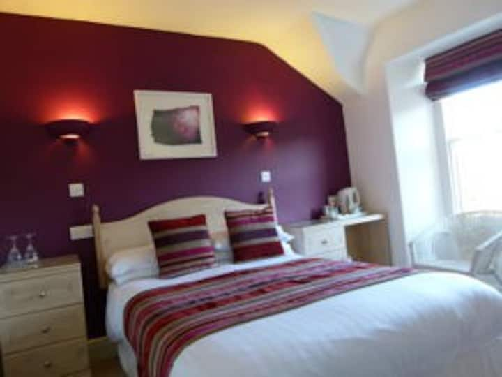 St John's Lodge Guesthouse - Cosy Double Room (incl off-site health club), Windermere