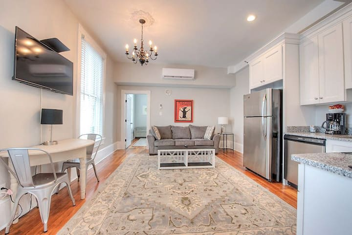 Historic 1 BR Free Park by Jefferson Hotel 106-4