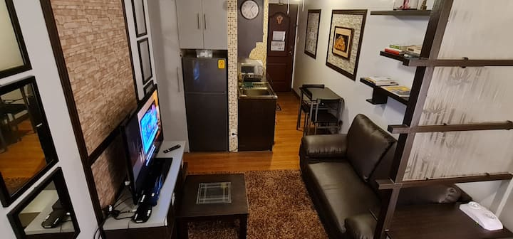 Sanitized Unit w/ 25mbps Net, Cable TV & Netflix