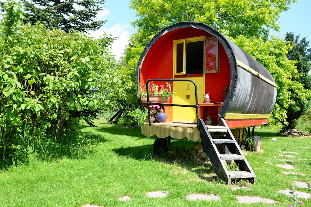 Romantic Romany wagon for two