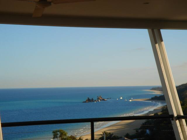 Blue Moon Beach House - Moreton Island - Huis