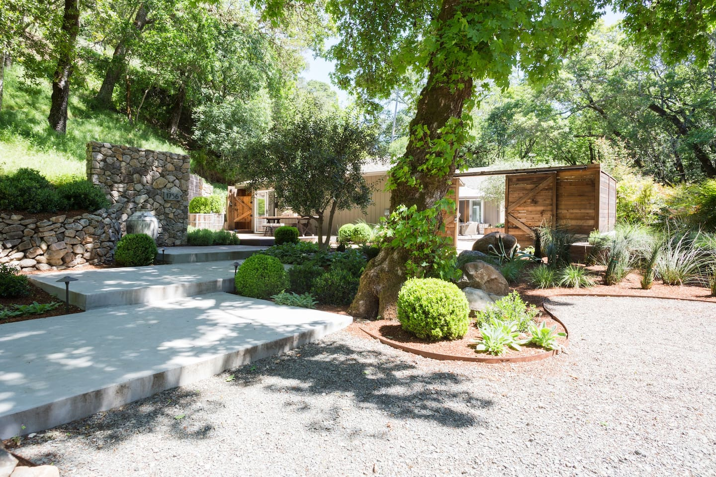 You will immediately feel at home when you drive up the country road to your vacation house.