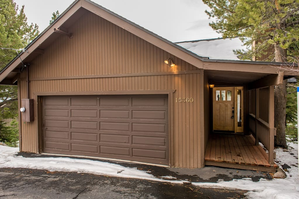 This cozy home is tucked in beautiful Tahoe Donner.
