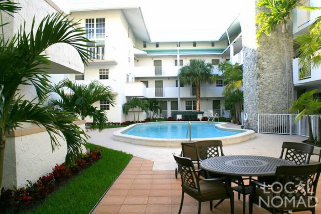 view of resort and pool/lounge areas, Towels provided for pool & beach!