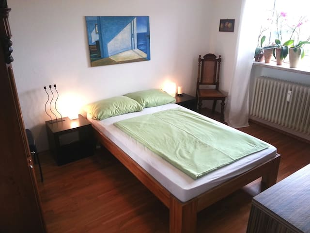 cosy room in Munich Thalkirchen - Monaco - Bed & Breakfast