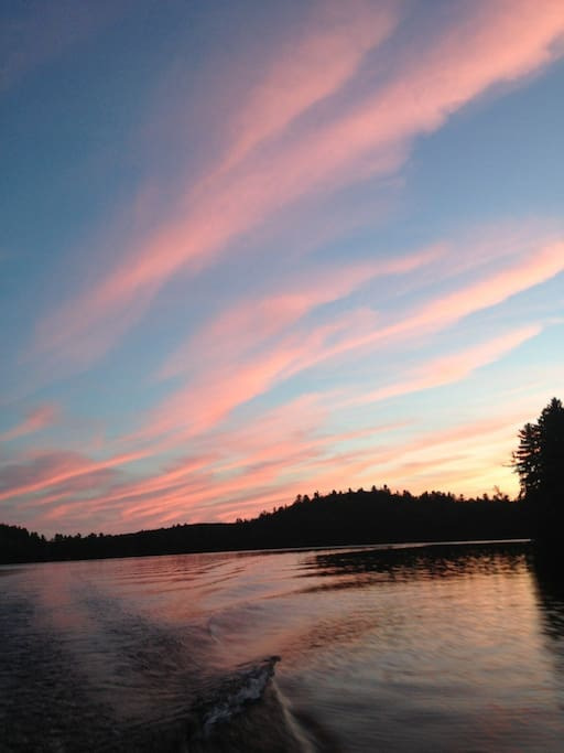 Find yourself on the lake at Sundown