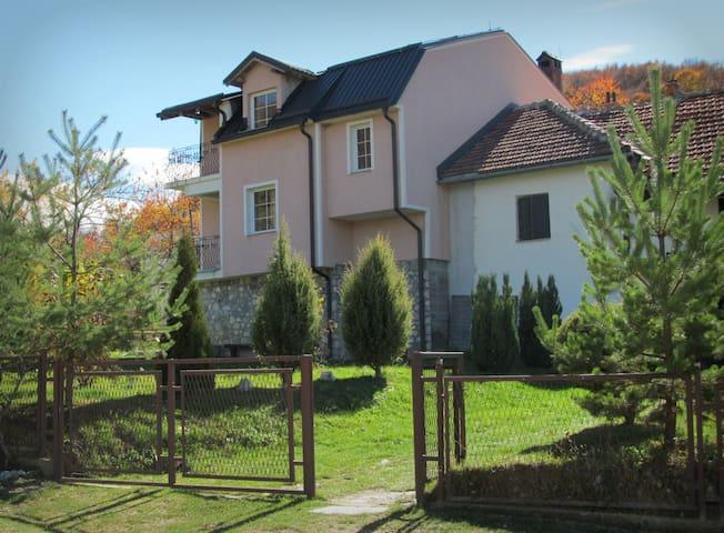 Villa Lazareski - Leunovo, Mavrovo