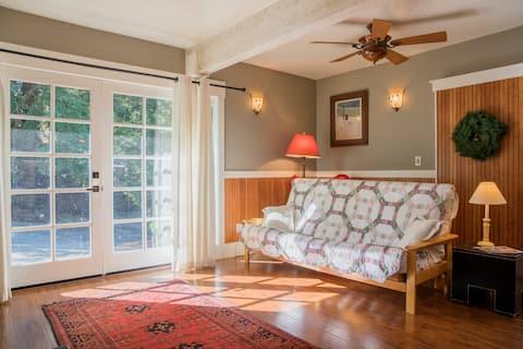 Secluded Craftsman Cottage