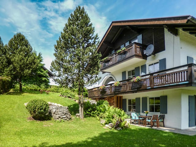 Cheap cozy apartment to 8 people - Bad Kohlgrub - Casa