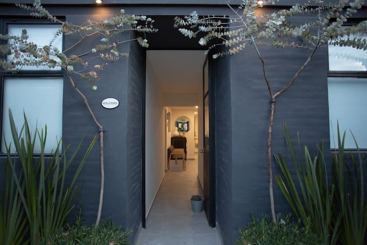 Habitación sencilla ventana ext Casa Finlandia