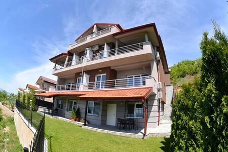 Velestovo House- Superior Apart (2) - Ohrid