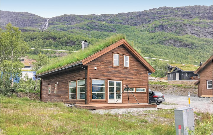 Awesome home in Røldal with WiFi and 4 Bedrooms