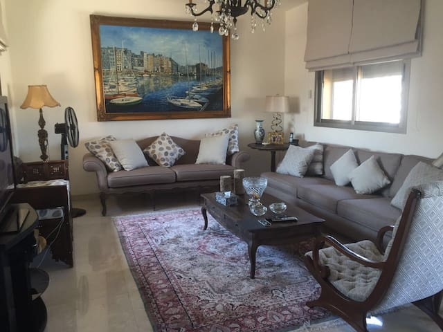 3 bedroom seaview stunning home - Beirut  - Hus