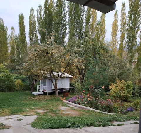"""Уютный загородный домик """"Ичке-Суу"""""""