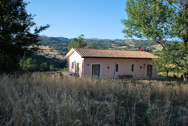Self Catering Apartment Tuscany Italy - Roccalbegna - House