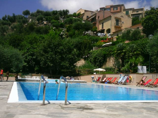 Cottage with swimming-pool in the residence - Finale Ligure - Villa