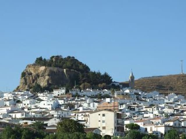 Andalusian Village House: Spain - Ardales - Hus