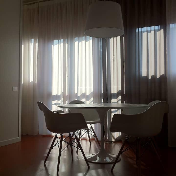 Design flat very close to Milan!
