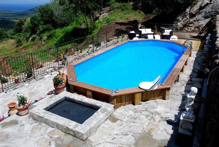 Minivilla piscine chauffee en corse