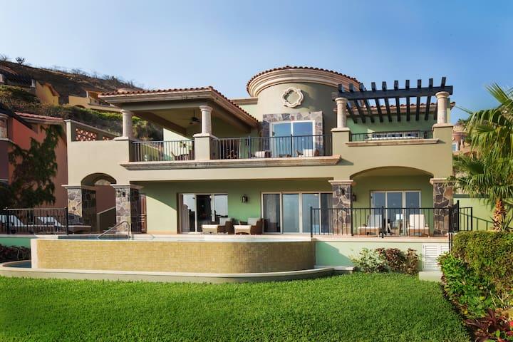 3BR - MONTECRISTO VILLA -Private Home&Pool