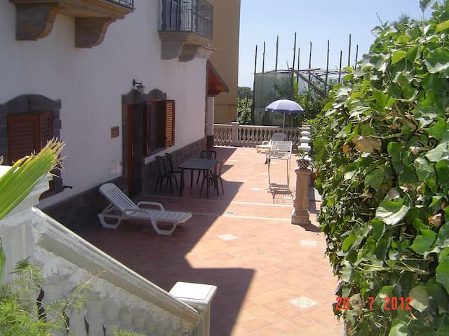 Residence Villa Marzia two flat  10 beds - Schiazzano - House