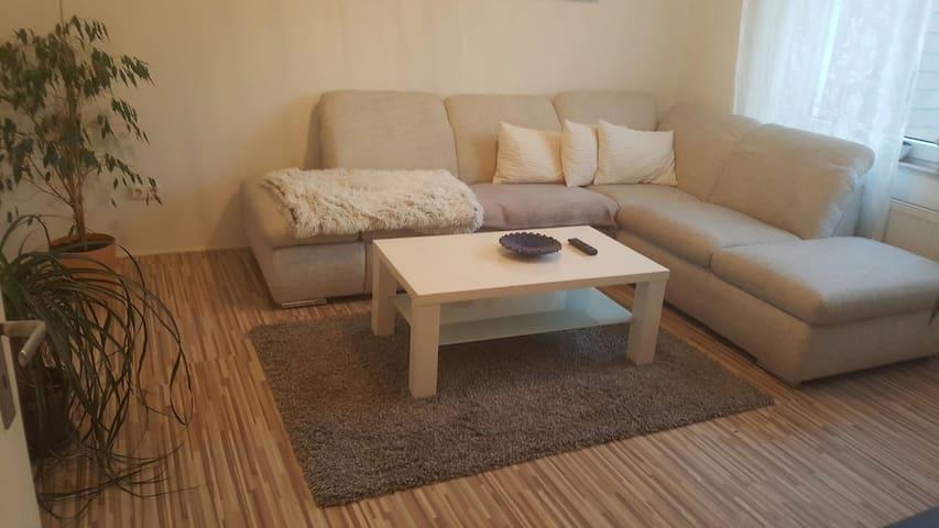 Gästezimmer in Jülich Zentrum- Forschungszentrum - Jülich - Apartamento