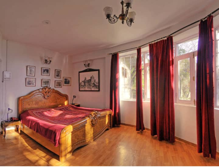 Deluxe room at residence of Maharaja of Kangra