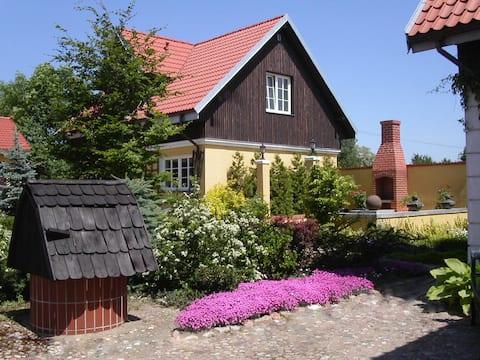 Villa Reglowka. Fireplace,terrace,garden and river