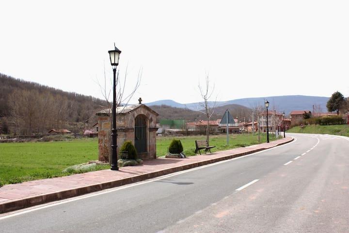 Casa de piedra acogedora - Villanueva de la Nía - Casa