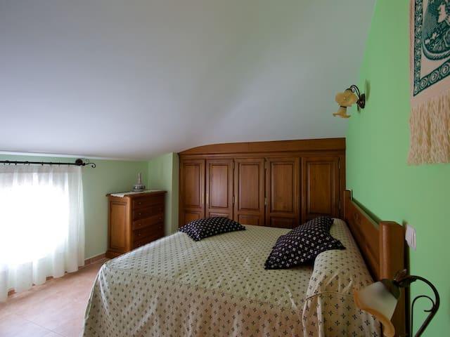 Casa Rural LarEmilia, alquiler completo. - Barrio de Díaz Ruiz - Hus