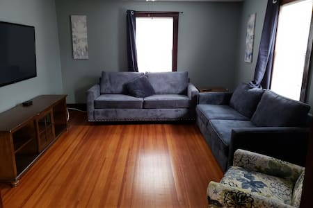 Middlesex Hospital / Wesleyan 2 Bedroom