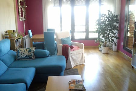 Up to 8 guests-pay 7 days, stay 10! - Ponferrada - Apartment