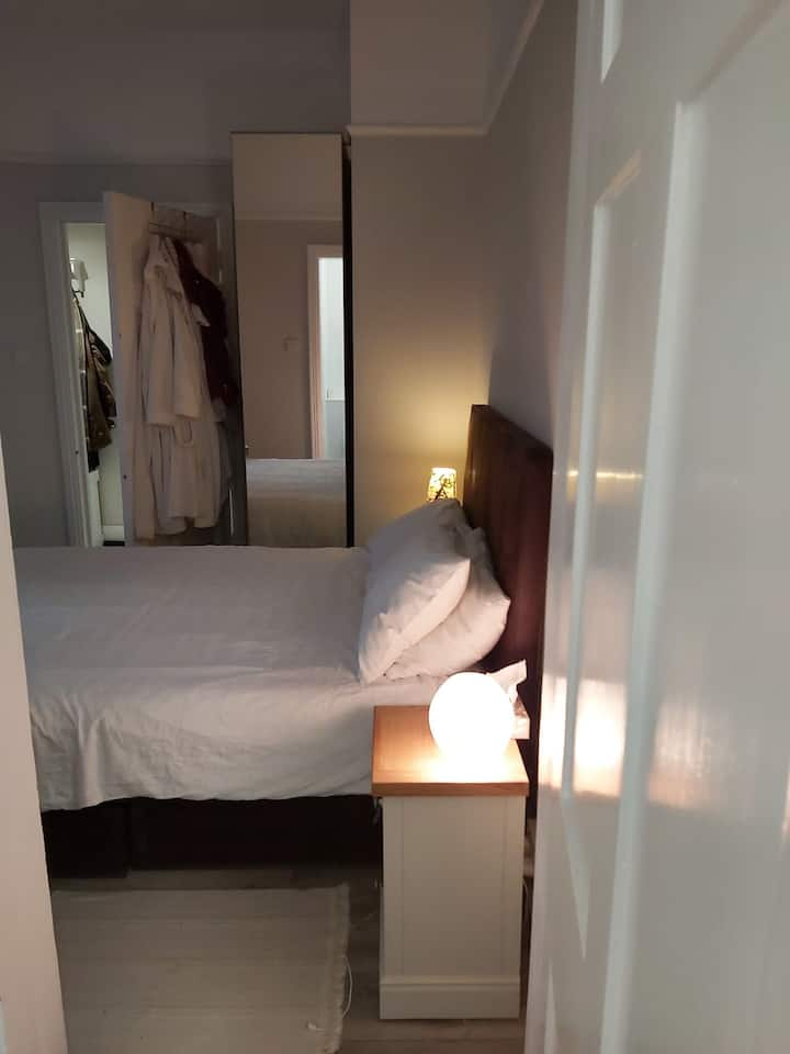 Cosy double bedroom with brand new modern ensuite