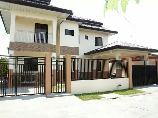 5 bedroom family house