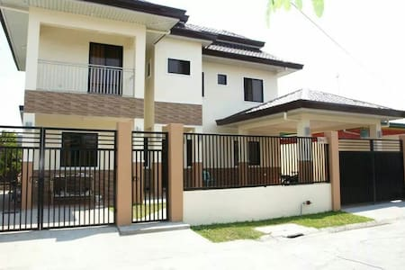5 bedroom family house - Angeles - 獨棟