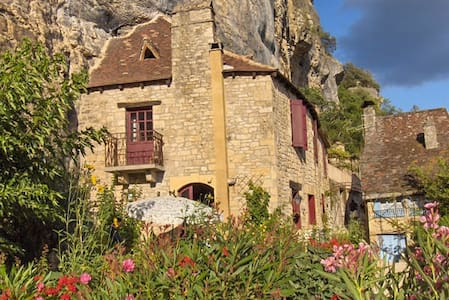 Stop a while and dream - La Roque-Gageac - Hus