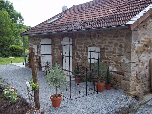 Stone Cottage - Saint-Pierre-Chérignat