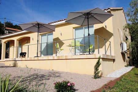 Paisible villa près de l'Orb - Mons - House